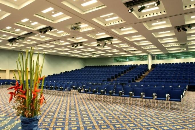 Conference venue 14th eswc 2017 for 14th and grand salon